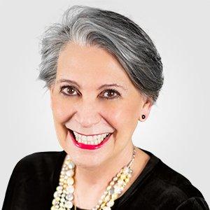 Dra Esly Carvalho